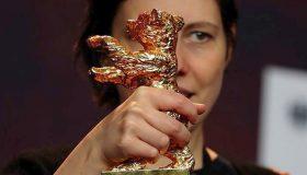 68ο Φεστιβάλ Βερολίνου: Η Χρυσή Άρκτος στo «Touch Me Not» της Αντίνα Πιντίλιε