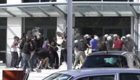 Συγκρούσεις εκπαιδευτικών με ΜΑΤ στο υπουργείο παιδείας (video)