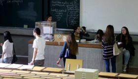 Στις κάλπες οι φοιτητές