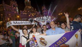 Γλέντι στη Μαδρίτη για την 13η κούπα! (video)