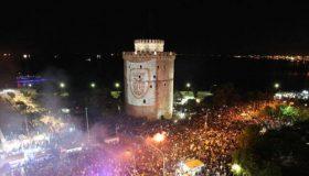 «Καίγεται» η Θεσσαλονίκη από τα πανηγύρια (video)