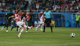 Πήρε κεφάλι στον όμιλο η Κροατία (video)