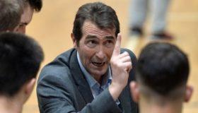 Παραμένει στο τιμόνι της εθνικής ο Ανδρεόπουλος