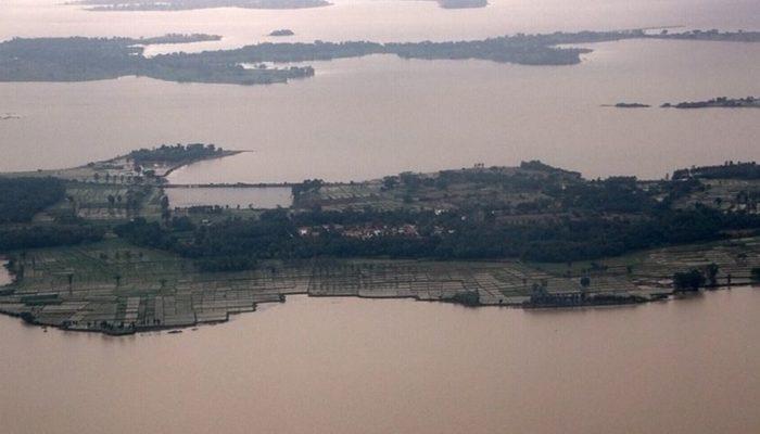 Ξεπέρασαν τους 400 οι νεκροί από τις φονικές πλημμύρες...