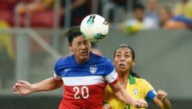Οι κεφαλιές στο ποδόσφαιρο είναι πιο επικίνδυνες για τις γυναίκες