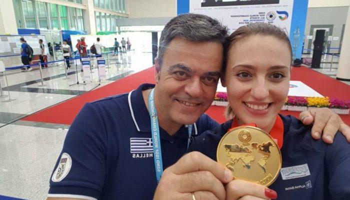 Άννα Κορακάκη: «Καίγαμε στόχους και ξύλα για να κρατάμε ζεστά τα χέρια μου» (video)