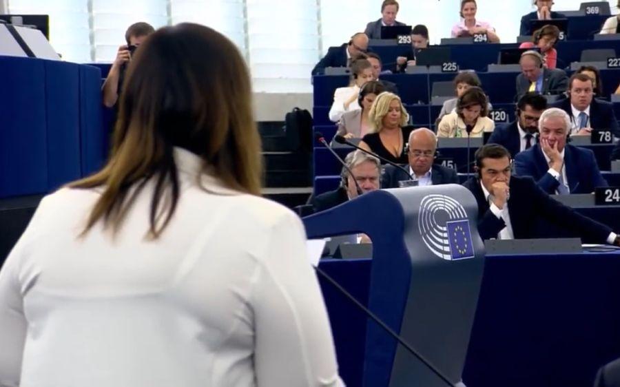 Αποτέλεσμα εικόνας για Ιταλίδα ευρωβουλευτής ξεφτίλισε τον Τσίπρα.