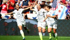 Ρίχνει το βάρος στο γυναικείο ποδόσφαιρο