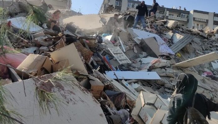 Ισχυρότατος σεισμός 6,7 Ρίχτερ κοντά στη Σάμο - Μεγάλες καταστροφές και νεκροί στην Σμύρνη